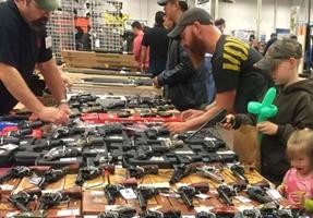 Cómo comprar un arma por 75 dólares en Estados Unidos