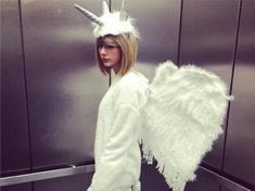 Taylor Swift y otras estrellas en vestido de halloween
