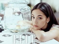 Joven modelo japonesa Kiko Mizuhara posa para revista