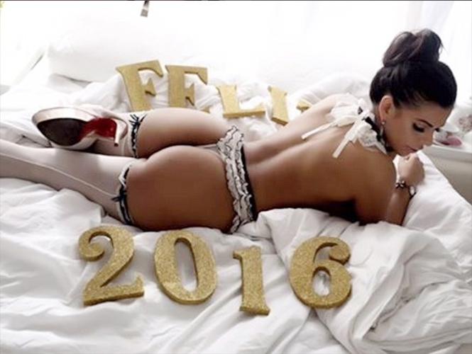 Suzy Cortez Miss Bumbum Brasil 2015 Deseó Un Feliz 2016 A Sus
