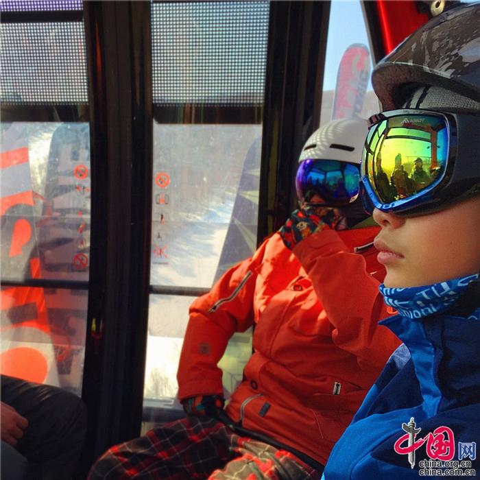 Vacaciones de invierno al estilo chino: Divertirse en la nieve y el hielo