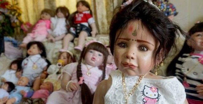 Tailandia prohíbe la venta de billetes de avión para las muñecas Look thep4
