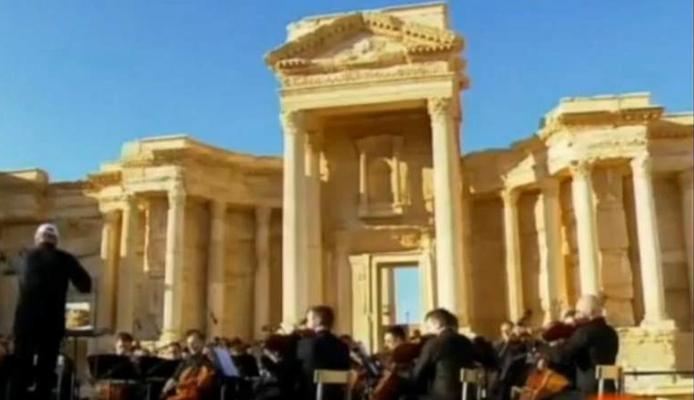 Una orquesta rusa da un concierto en Palmira para celebrar la expulsión del Estado Islámico