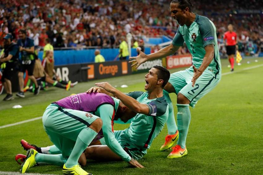 La selección de Portugal es la primera finalista de la UEFA EURO 2016 después de superar por 2-0 a Gales