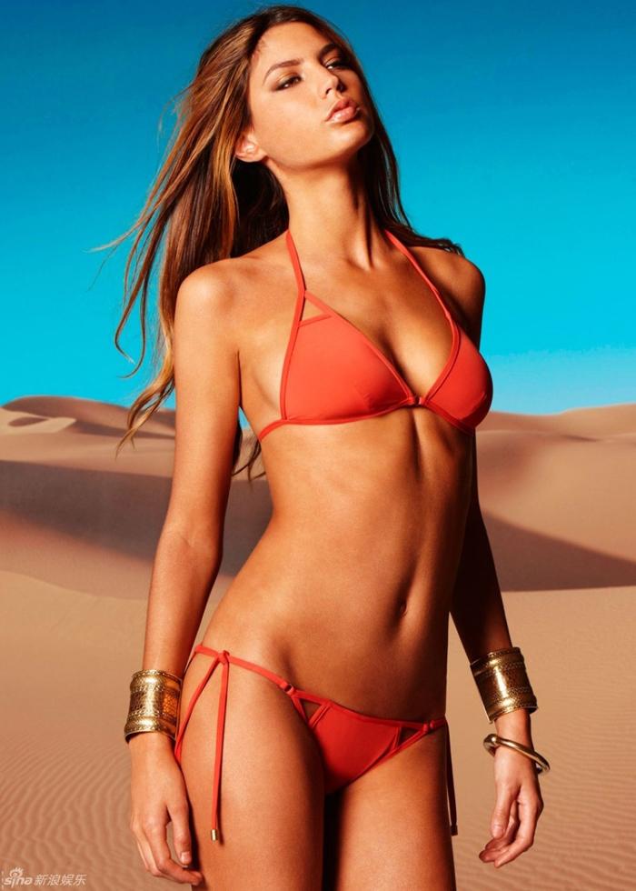La supermodel española Leticia Zuloaga se enseña sus ...