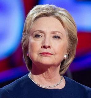 Hillary necesita el impulso de la convención por su bajo nivel de popularidad