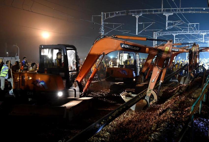 Una sección conecta la red ferroviaria de trenes de alta velocidad con los tramos centrales y occidentales de China5