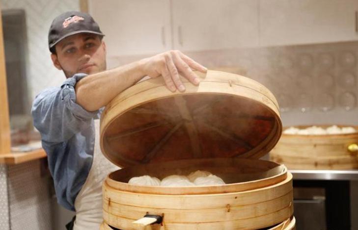 Una tienda de baozi de Hangzhou adquiere popularidad en la Plaza de Harvard