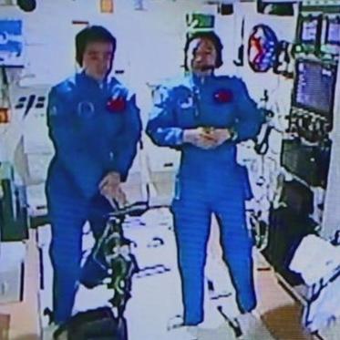 Diario espacial: Astronautas chinos aceptan primera entrevista Tierra-espacio