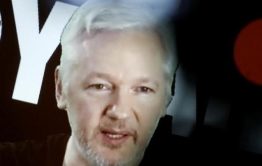 Assange declara ante la fiscalía sueca por primera vez