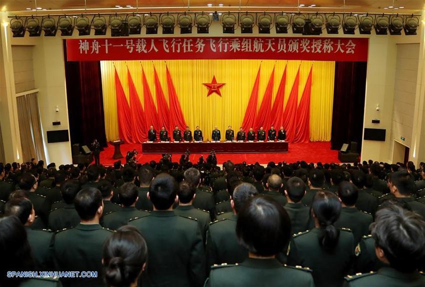 China condecora a tripulación de Shenzhou-11b