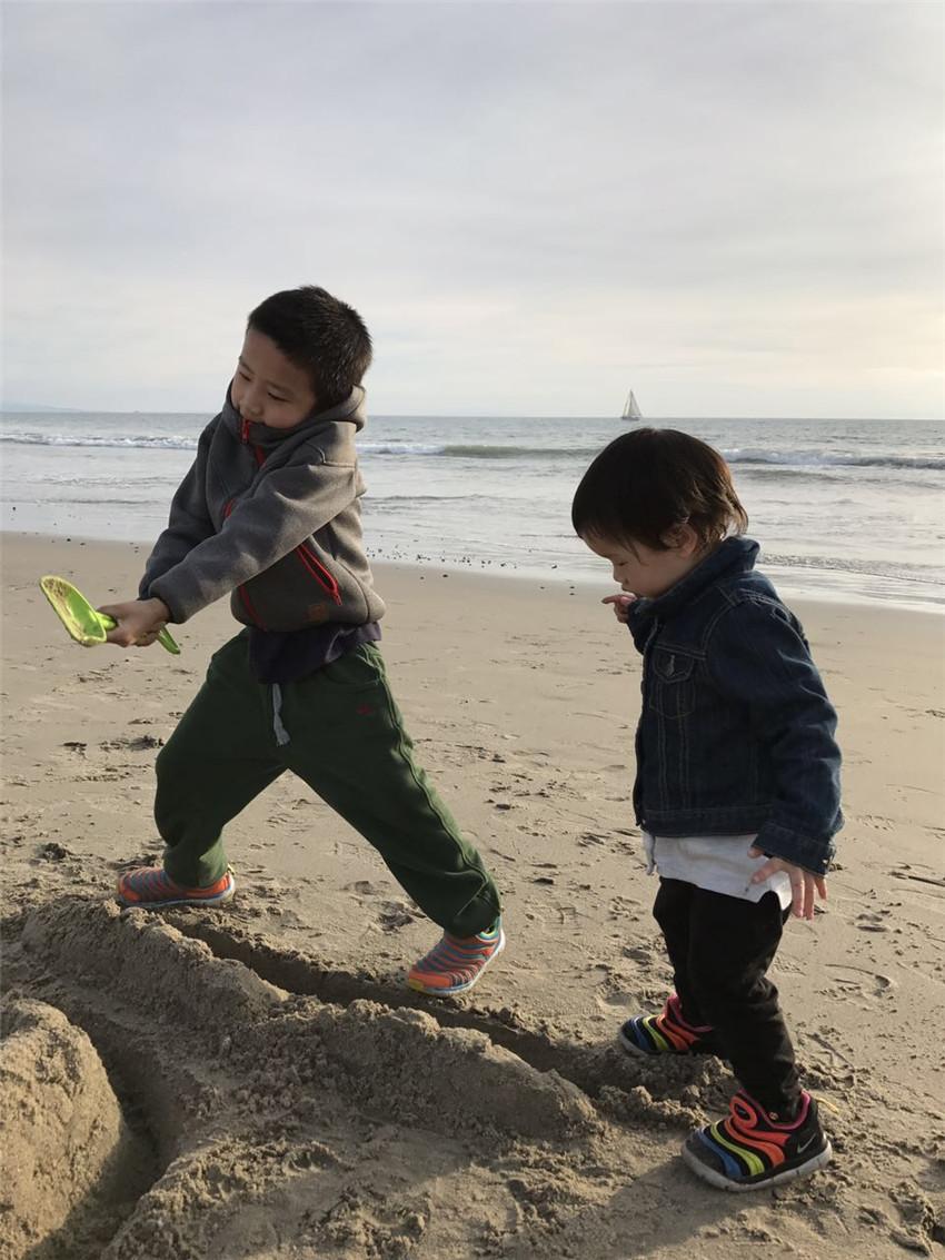 El duro camino de una madre de dos niños en China