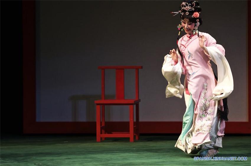 Opera de Peking 'Fausto', en Italia