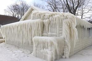 escultura de hielo tras el paso de ola de frío