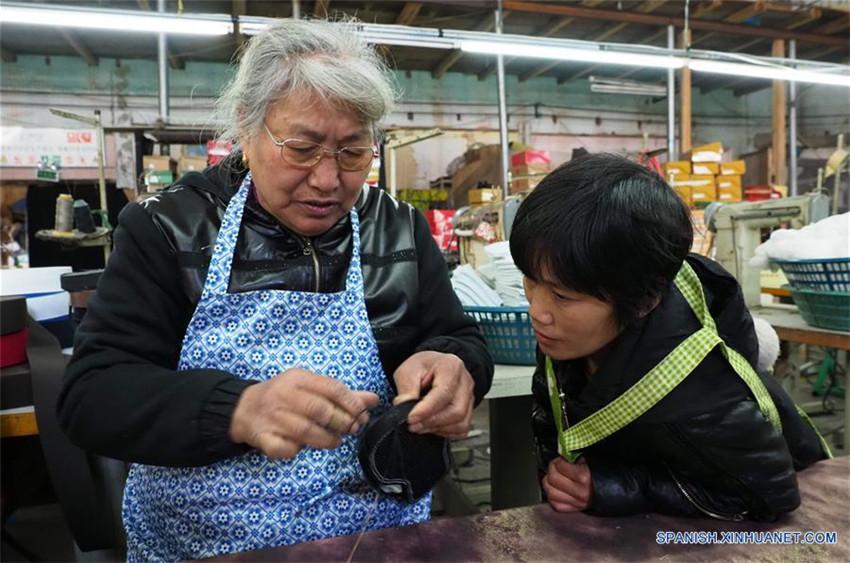Patrimonio Cultural Intangible: técnica de elaboración de calzado tradicional