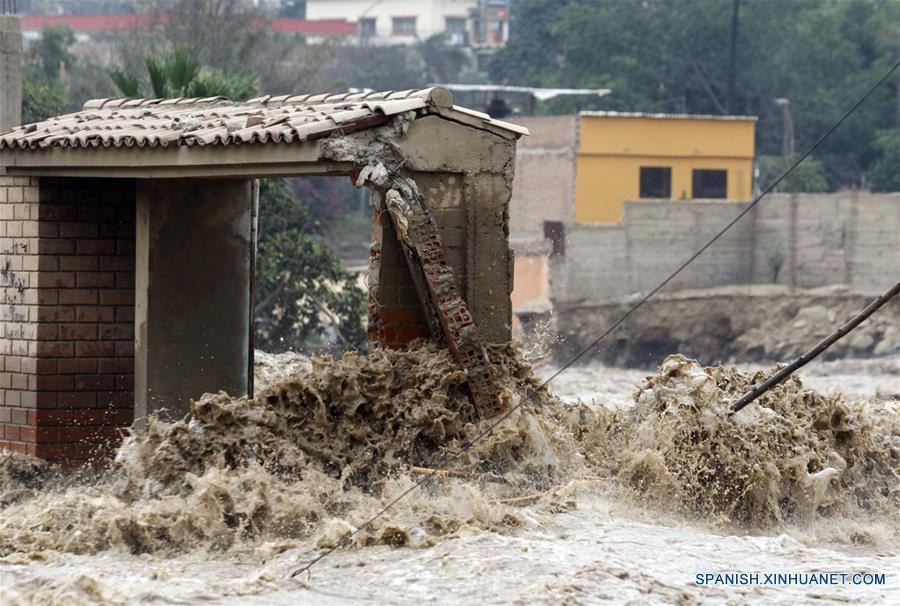 Aumentan a 75 los muertos por fenómeno 'El Niño' en costa de Perú 3