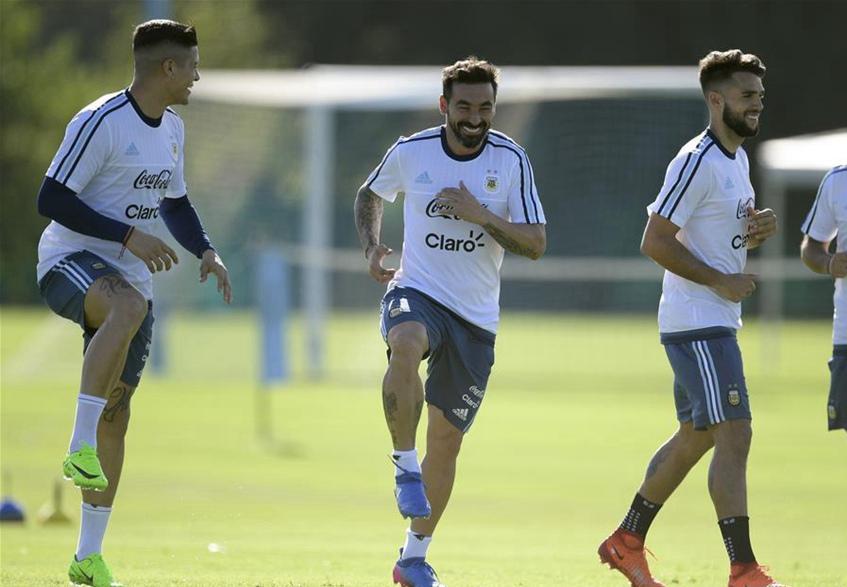 Selección de Argentina se entrenan para enfrentar a Chile