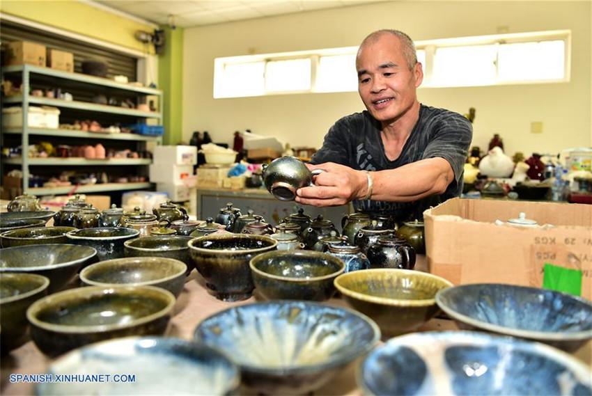 Ceramista Chen Chin Wang desarrolla cerámica con su estilo peculiar