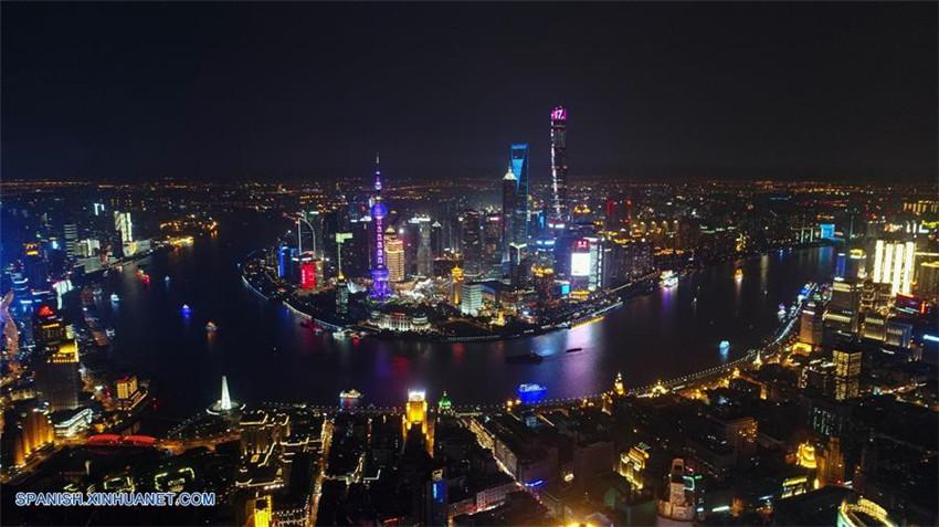 Vista aérea nocturna de Shanghai