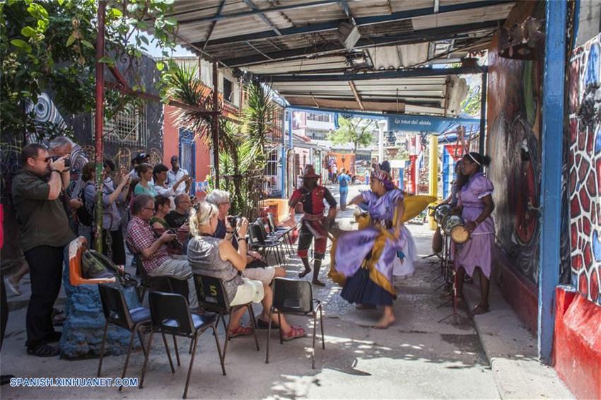 Callejón de Hamel: epicentro y punto de difusión de cultura afrocubana de La Habana