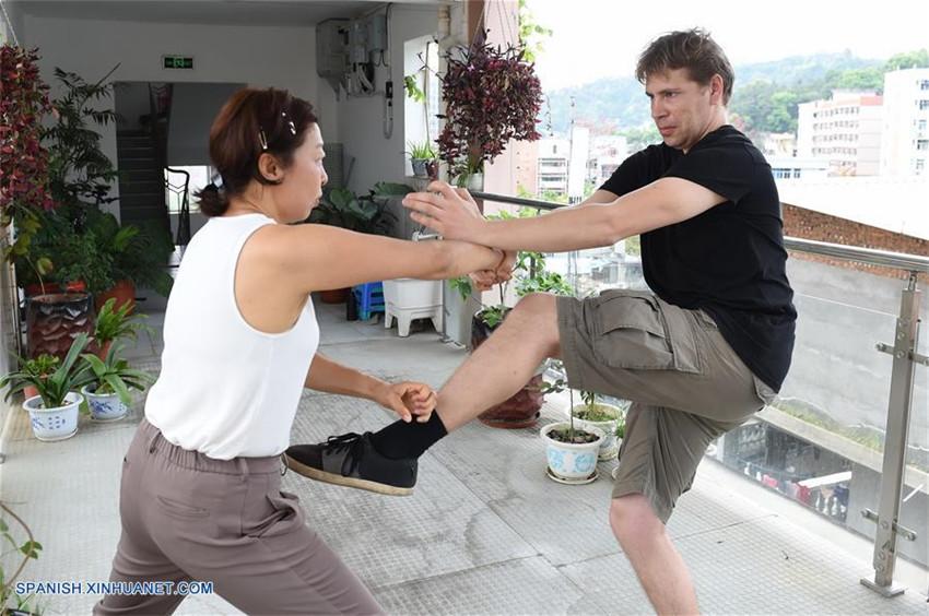 Pareja de Países Bajos aprenden artes marciales chinas en Fujian