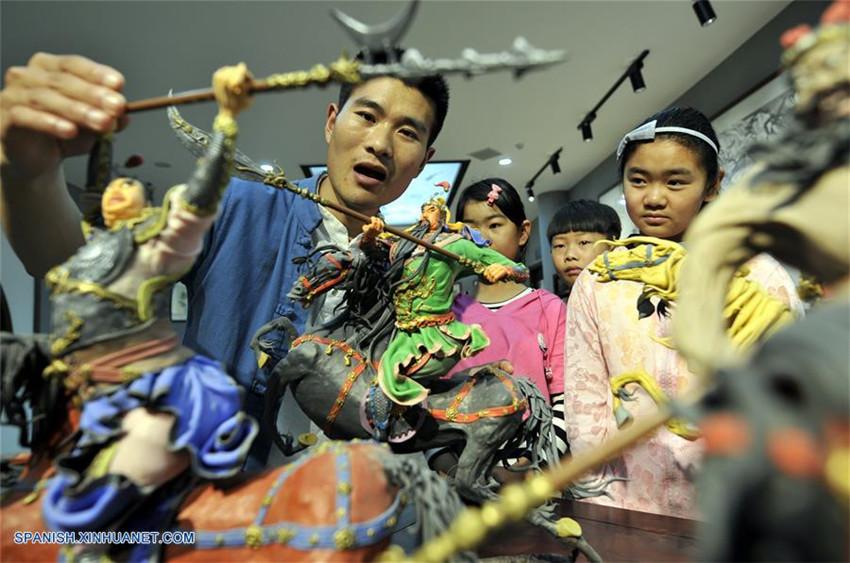 Shandong: Figuras de masa en Tancheng