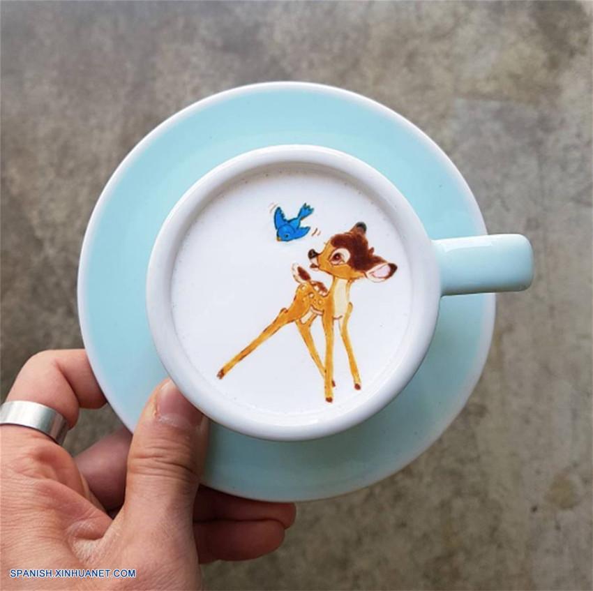 Tazas de café con leche decoradas por barista Lee Kang Bin