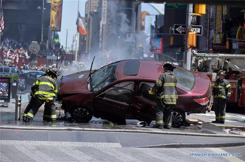 Ponen bajo custodia a un hombre tras incidente en Times Square