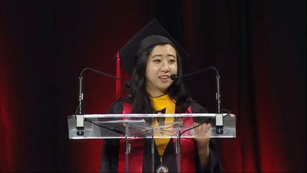 Estudiante china se disculpa por polémico discurso
