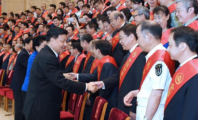 China honra a científicos antes de día de trabajadores de ciencia y tecnología
