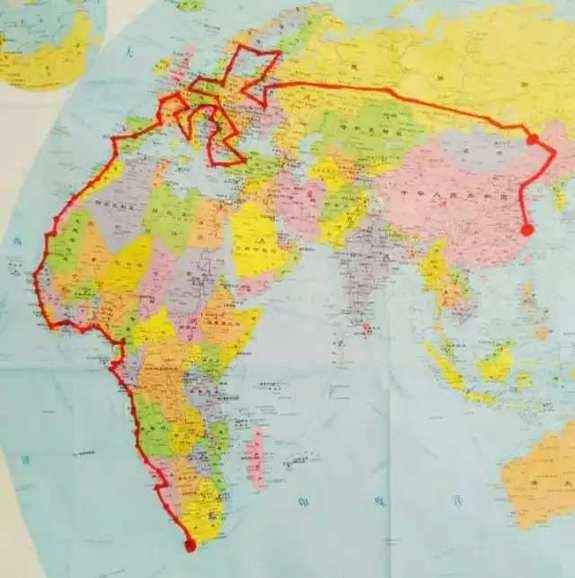 Recorrido en carretera por 25 países en 290 días 2