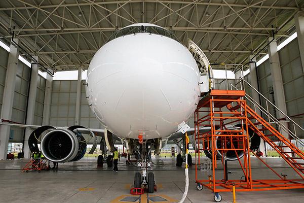 El C919 busca competir con Boeing y Airbus en el mercado global