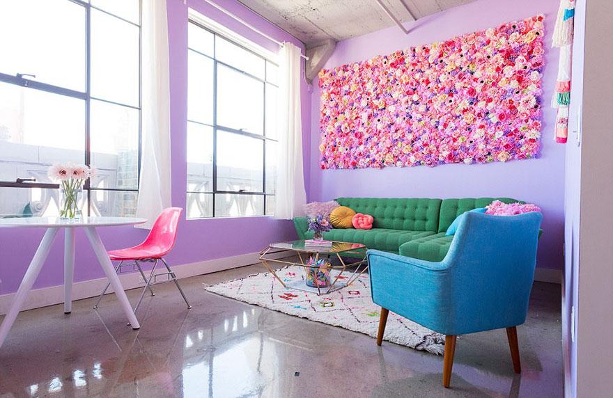 Esta mujer tiene el apartamento más colorido que has visto