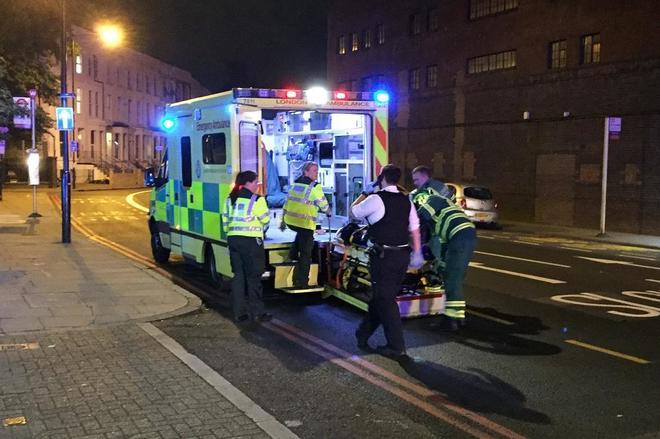Una furgoneta arolla en Londres a varios peatones causando víctimas mortales