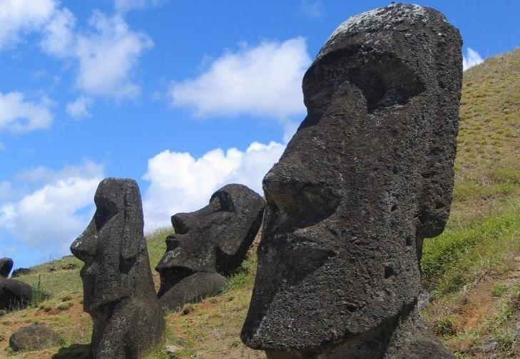 ¿Qué mató a los habitantes de la Isla de Pascua?