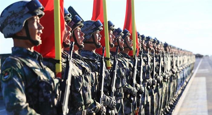 Desfile militar para conmemorar el 90 aniversario de la Fundación del EPL