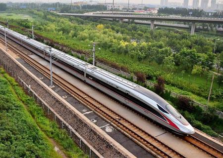 Nueva generación de trenes circula en líneas del norte de China