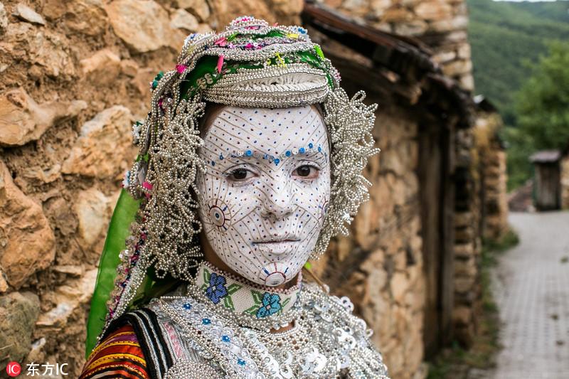 Singular maquillaje de novia en Kosovo1