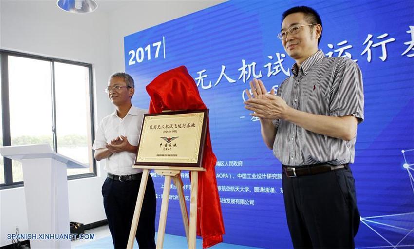Shanghai establece primera base de vuelo de drones de China