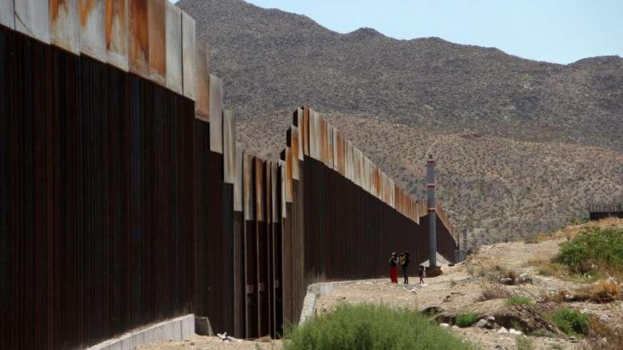 EE.UU. elige empresas para el diseño del muro fronterizo con México