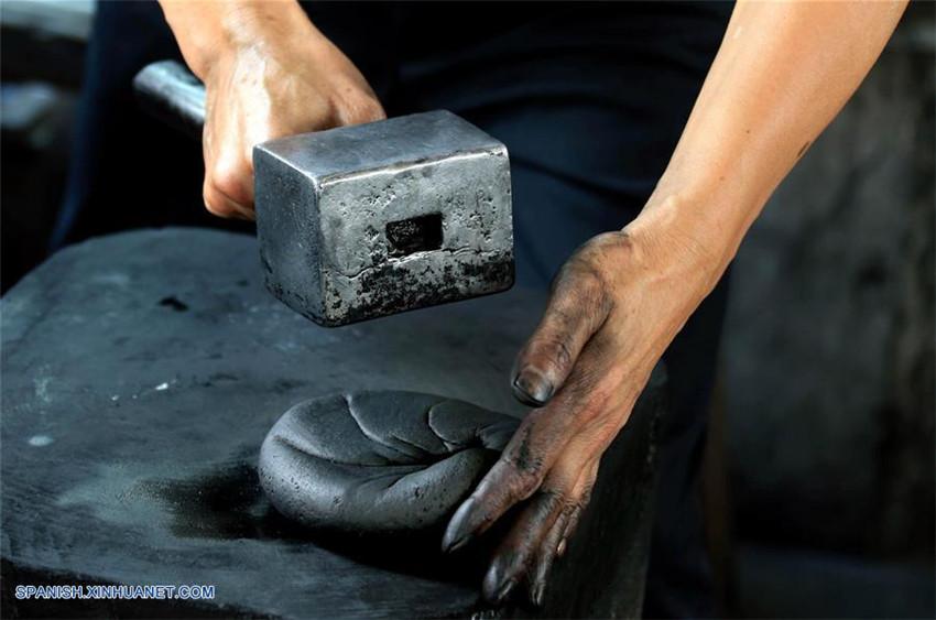 Anhui: Producción de tizas de tinta en Shexian, un tipo de artesanía
