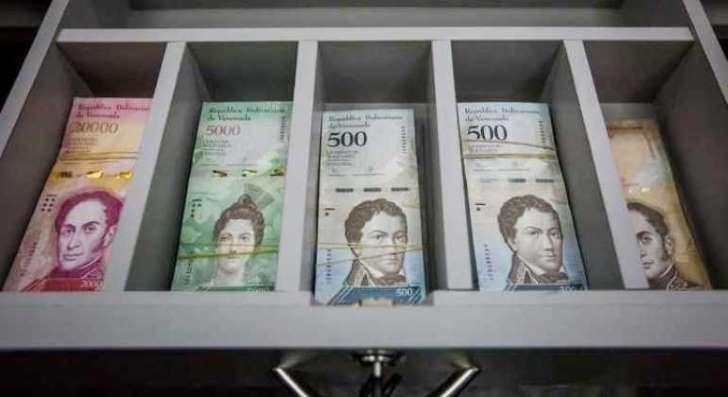 Venezuela a punto de quedarse sin billetes