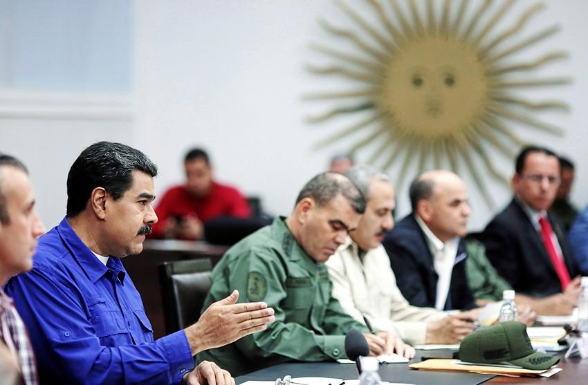 Gobierno y oposición venezolana se reúnen en República Dominicana