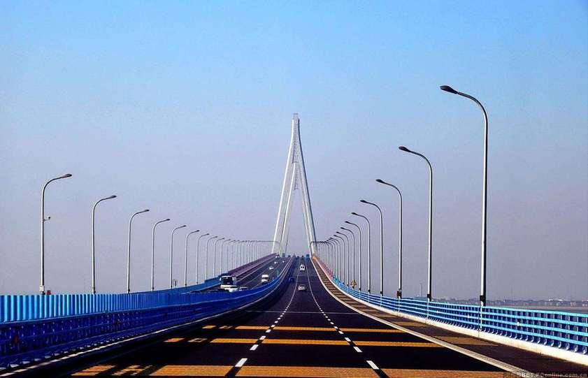 Puentes de autopistas y de líneas de tren de alta velocidad de China alcanzan nuevo máximo