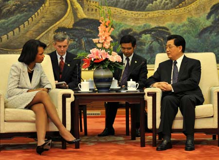 Chinese President Hu Jintao (1st R) meets with visiting U.S. Secretary of State Condoleezza Rice (1st L) in Beijing June 30, 2008.