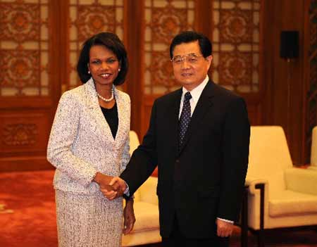 Chinese President Hu Jintao (R) meets with visiting U.S. Secretary of State Condoleezza Rice in Beijing June 30, 2008.