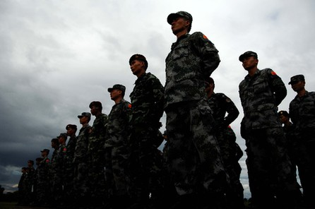 Special Forces troops from Thailand and China participating in anti-terrorism training in Thailand's northern province of Chiang Mai July 28, 2008.