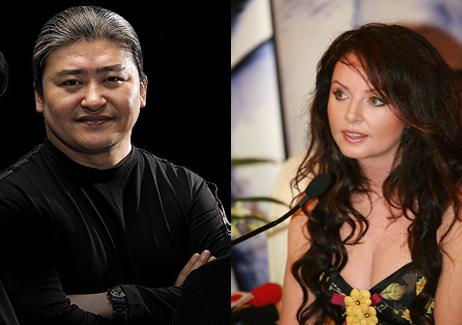 Liu Huan (L) and Sarah Brightman