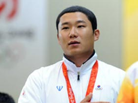 Jin of South Korea surges to win men's 50-meter pistol gold