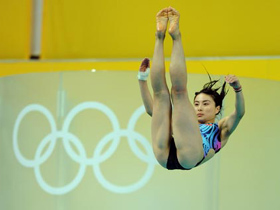Diving Queen wins 3m springboard gold